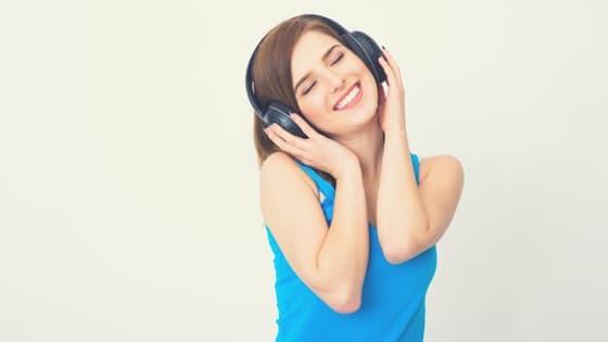 Ecouter de la musique / Laurie Audibert / Coach holistique