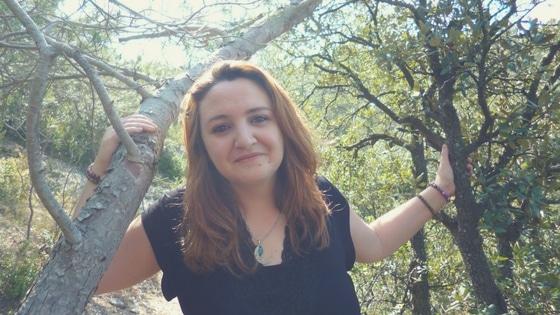 Laurie Audibert dans la nature / coach en développement personnel