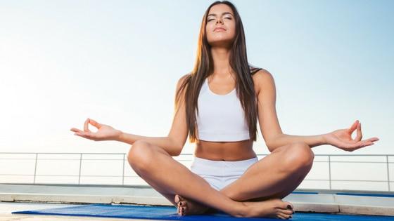 Méditer pour élever ses niveaux énergétiques / Laurie Audibert / Coach holistique pour entrepreneuses