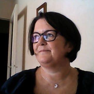 Anne-Catherine / Entrepreneuse dans l'aide à l'auto-édition