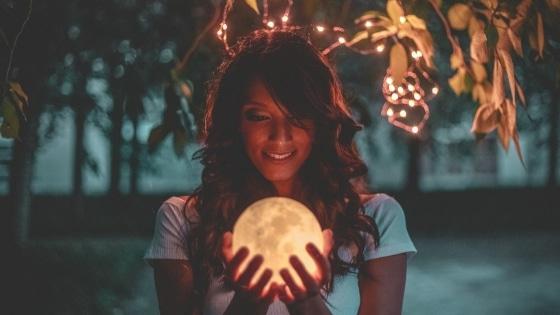 Développez votre entreprise avec la Lune/ Laurie Audibert / Business Coach pour Entrepreneuses