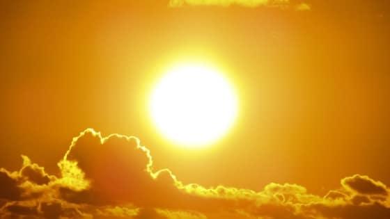 Soleil jaune / Chakra du plexus solaire _ Chakras & Business / Laurie Audibert / Coach Holistique pour Entrepreneuses Spirituelles
