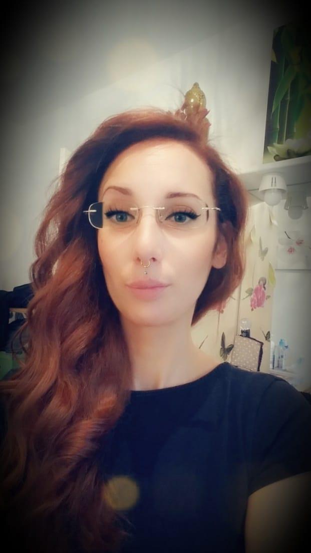 Julie / Créatrice de sorcières