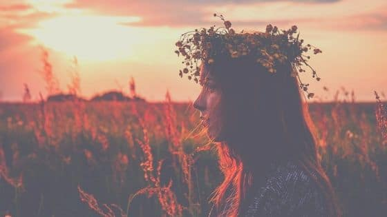 10 manières de célébrer Litha- solstice d'été / Laurie Audibert / Coach Holistique pour Entrepreneuses Spirituelles.