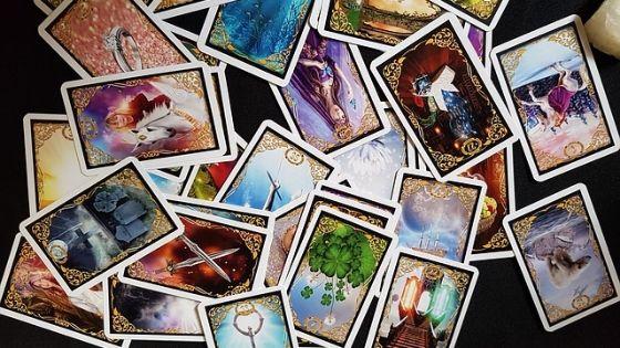 Utiliser les oracles dans votre entreprise / Laurie Audibert / Coach Holistique pour Entrepreneuses Spirituelles